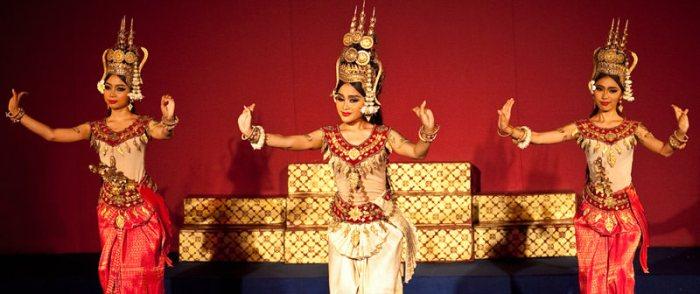apsaras-dance-phnom-penh-l