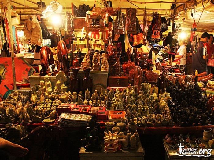 phnompenh-night-market_800-x-600
